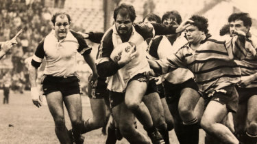 Peter FitzSimons playing for Brive in 1985.