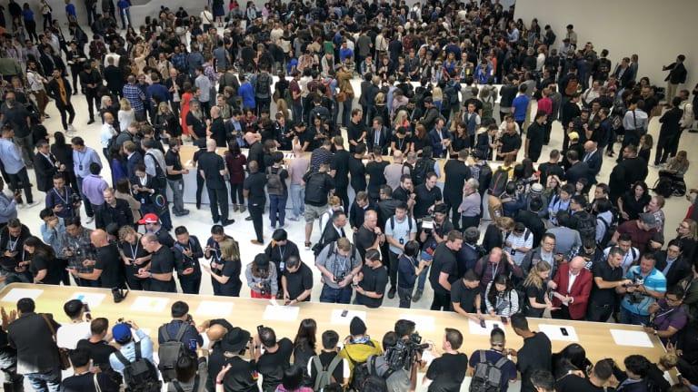 Apple can still draw a big crowd