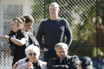 Collingwood footy boss Geoff Walsh is retiring.