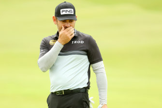 Louis Oosthuizen won the British Open in 2010 and holds a one-shot lead after one round this year.