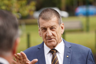 Hawthorn president Jeff Kennett says the Hawks want to play games in Tasmania even without crowds.
