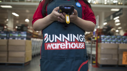 Some Bunnings staff to quit over vaccines as businesses wrestle with mandates