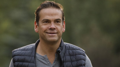 Lachlan Murdoch defends Fox News, says it won't be changing its 'centre-right' strategy
