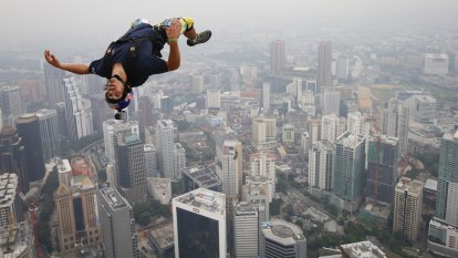 'Jetman' Vincent Reffet dies in training incident in Dubai
