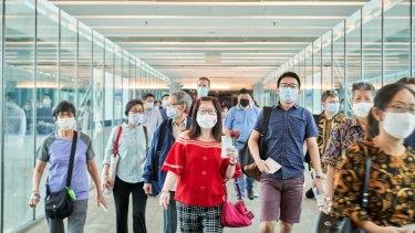 Las personas que hayan estado en el Reino Unido en los últimos 14 días no podrán transitar por el aeropuerto Changi de Singapur.