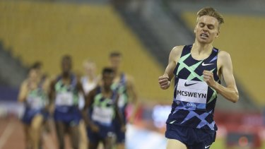 Stewart McSweyn wins the 1500m in the Diamond League meeting at Doha in September last year.