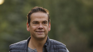 Lachlan Murdoch arrives at Sun Valley.