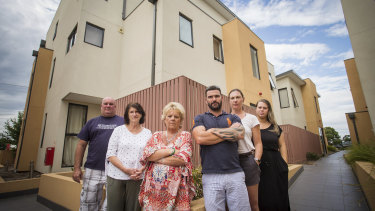 Owners of an apartment block in Frankston say they can't afford to foot the bill for removing flammable cladding.