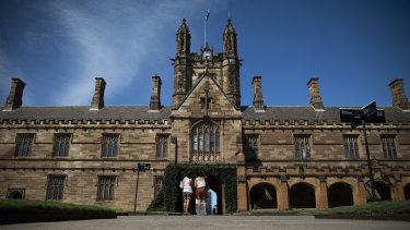 Sydney Uni faces losing thousands of enrolments as deferment deadline approaches