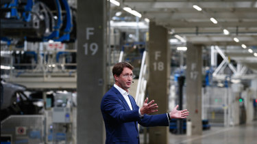 Ola Källenius, the chief executive of Mercedes' parent company, Daimler, said that executives decided not to let the pandemic disrupt the launch of the factory and new vehicle.