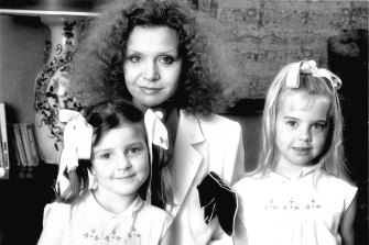 Carla Zampatti with her daughters Bianca and Allegra Spender.