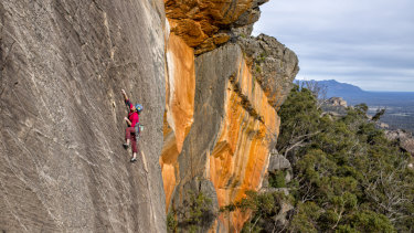 This image was supplied by Simon Carter, to show the low impact of climbing on the Grampians. Used with permission.