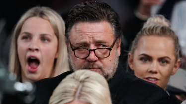 Actor Russell Crowe was unimpressed with the view from his $1500 seat.