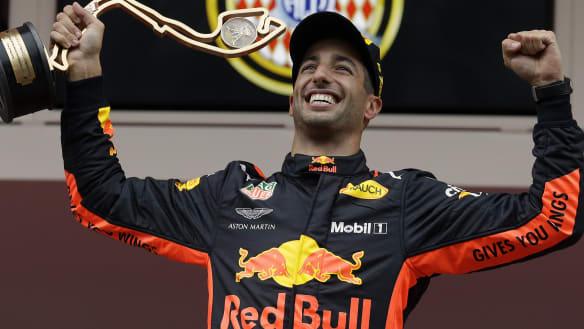 Ricciardo's Red Bull confirm engine deal with Honda