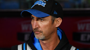 Jason Gillespie should be coaching Sussex in England but is in self-isolation in South Australia.