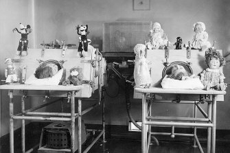 An eerie scene from one of last century's polio treatment wards.
