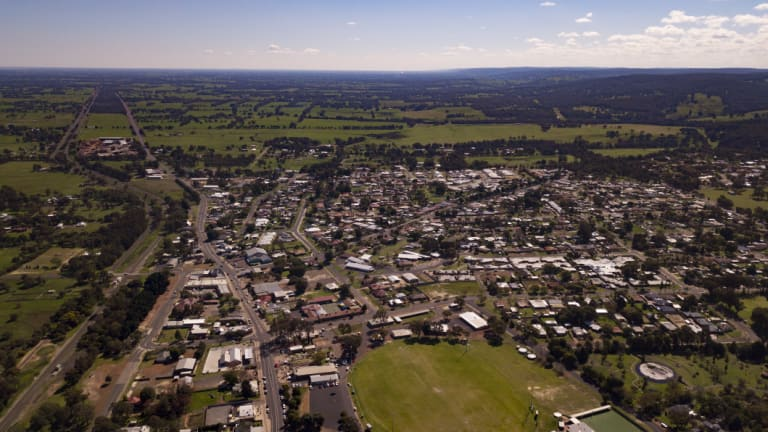 This is Waroona looking north along the Darling Scarp toward Perth. Despite being 115km away from Perth Waroona has been earmarked as an outer suburban area.