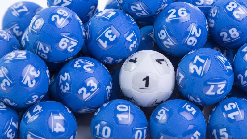 Oz Lotto: Half of $70m prize won by Lithgow man