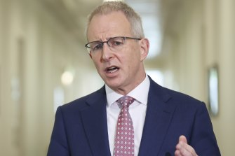 Federal Communications Minister Paul Fletcher has imposed limits on the amount of low-band spectrum that telco companies can bid for at auctions to be held later this year.