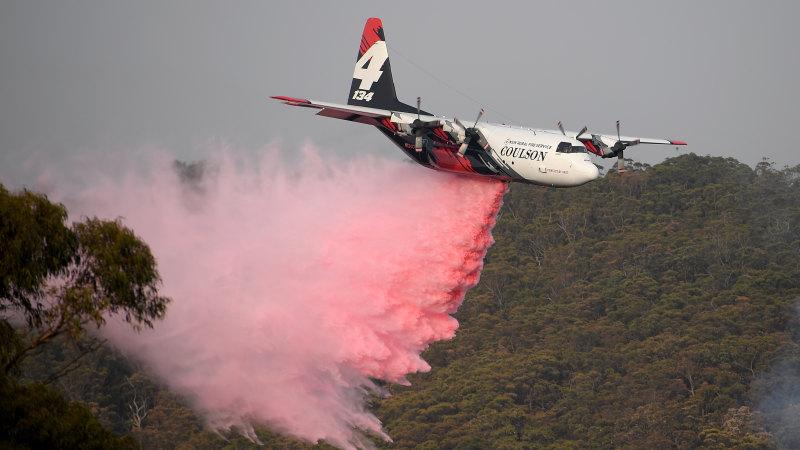 'Darkest summer in state's history': US firefighters to be honoured in memorial