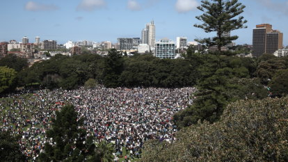 Global climate strike LIVE: Australian school students march to protest climate change
