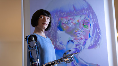 Robot artist detained in Egypt over spying fears