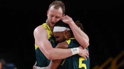 'Gold vibes only': How Mills and Ingles set the standard for Boomers
