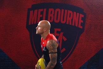 Melbourne veteran Nathan Jones has announced his retirement.