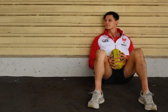 Sydney Swans' Callum Sinclair runs fitness Zoom classes targeting all body parts including the feet.