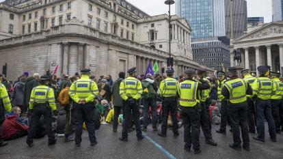 Extinction Rebellion wins court challenge against London police ban