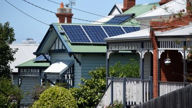 The Consumer Action Law Centre wants door-to-door sales of rooftop solar panels to be banned.