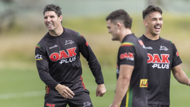 Trent Barrett hasn't let his signing with the Bulldogs for the 2021 season derail the Panthers.