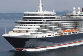 Cruise giant Queen Elizabeth to be based in Melbourne for record season