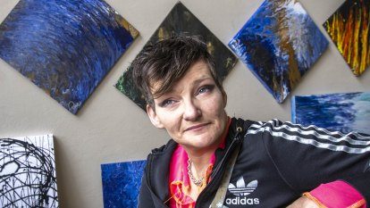 The former homeless woman who found a sanctuary and art during COVID