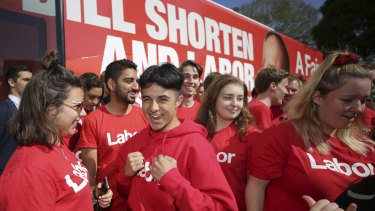 Young Labor volunteers with the campaign bus during a 2019 federal rally.