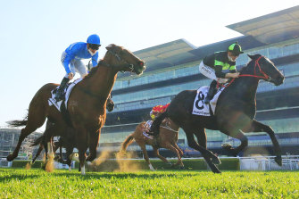 Private Eye takes out the Show County Quality at Randwick on his spring return.