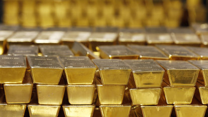 Falling gold price keeps lid on ASX