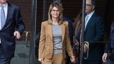 Actress Lori Loughlin has worn 'serious' glasses to the hearings in the college admissions scandal.