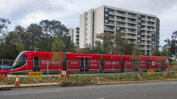 Push to cut speed limits on Northbourne Ave once light rail introduced