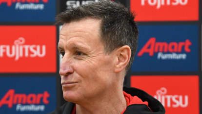 Essendon ready for 'fairly brutal' clash with arch-rivals Collingwood