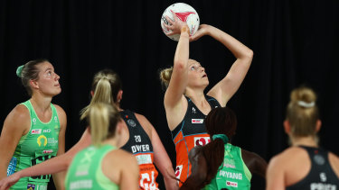 Jo Harten of the Giants lines up another goal against West Coast Fever in Brisbane.
