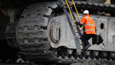 Newcrest shares fell 8.6 per cent after it cut production guidance, missing out on record high gold prices.
