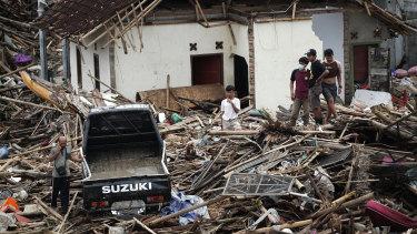 Debris in Sumur.