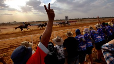 The stifling heat and water shortage didn't stop revellers at the Pooncarie Cup.
