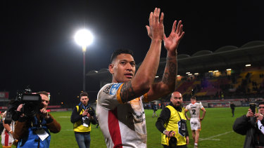 Israel Folau applauds Catalans Dragons fans after the match at Stade Gilbert Brutus in Perpignan.