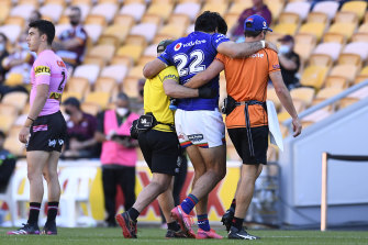 Tohu Harris was the first to fall in a major injury toll for the Warriors on Sunday afternoon.