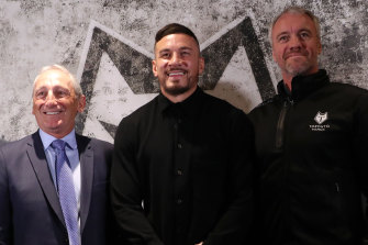 Sonny Bill Williams with Bob Hunter, CEO of Toronto Wolfpack, and coach Brian McDermott in London.