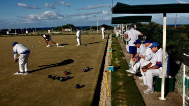 Scott Morrison needs retirees, like those at Clovelly Bowling Club, squarely in his corner come Saturday.