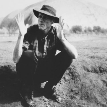 Peter Garrett at Uluru, July 1986.