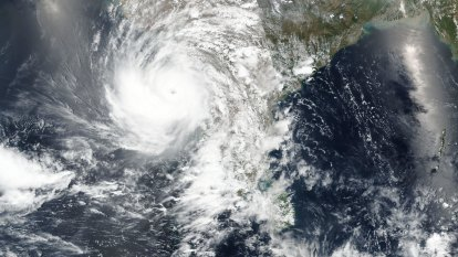 India's Gujarat state evacuates more than 200,000 people as Cyclone Tauktae hits